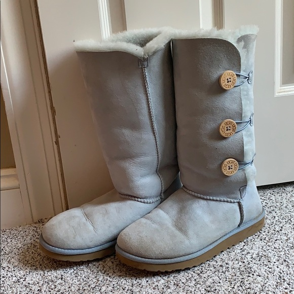 UGG Shoes - Light blue Uggs